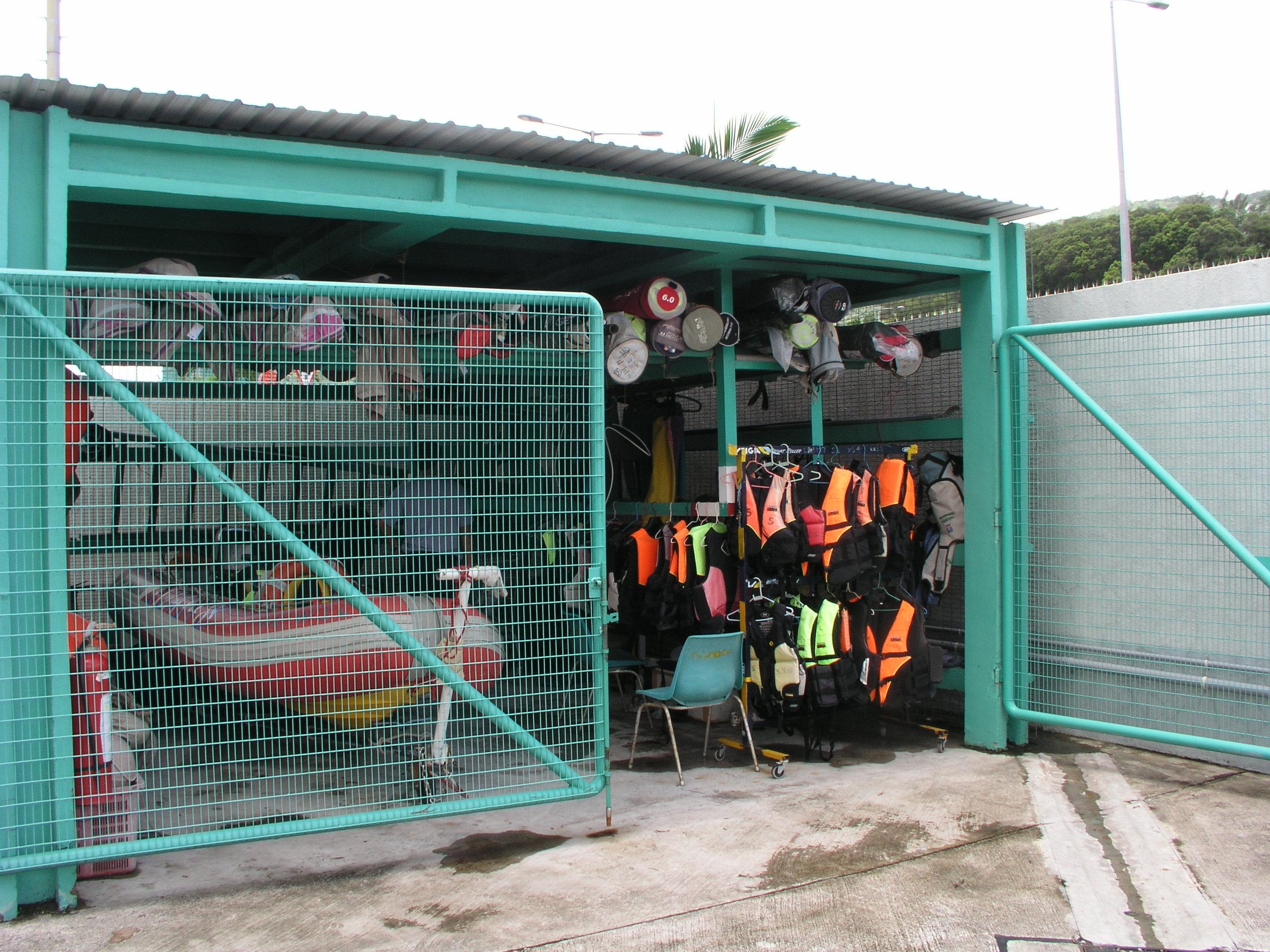 boathut life jackets